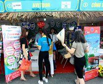 3 vạn khách đến với Liên hoan Du lịch làng nghề truyền thống Hà Nội 2016