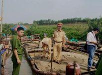Thanh Hóa: 4 thuyền khai thác cát trái phép bị bắt giữ