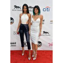 Hành trình nhan sắc của chân dài 9x số 1 làng mốt Kendall Jenner