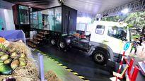 Phòng khách siêu đẹp làm từ thùng xe tại triển lãm Ôtô Việt Nam 2016
