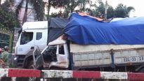 Bình Phước: Hai xe tải va chạm khiến một tài xế bị thương nặng
