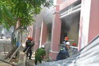 Cháy lớn trong trường tiểu học