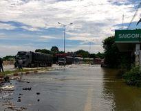 Quốc lộ 1 ngập nặng vì lũ