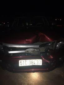 Chặn bắt xe ô tô bỏ chạy sau khi xảy ra tai nạn chết người