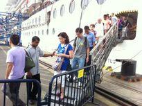 Đón 2 tàu biển quốc tế đến Việt Nam