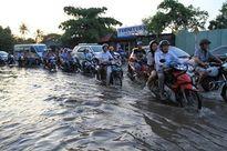 Triều cường sông Đồng Nai - Sài Gòn đang lên nhanh