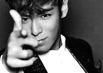 T.O.P (Big Bang) lọt danh sách 50 trai hot nhất của tạp chí Vogue Anh, sánh vai Justin Bieber