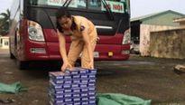 Thanh Hóa: Thu giữ hơn 800 bao thuốc lá ngoại trên xe khách