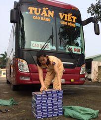 Xe khách Tuấn Viết chạy Cao Bằng - Lâm Đồng chở thuốc lá lậu