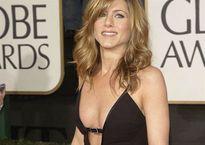 Vẻ gợi cảm không kém cạnh Angelina Jolie của vợ cũ Brad Pitt thời trẻ