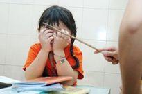 Đình chỉ việc 1 tháng, phạt 5 triệu đồng giáo viên làm xước má học sinh