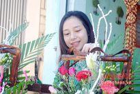 Sơn nữ bán hoa tươi online dịp 20/10