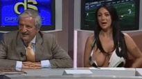 Pha lộ ngực đáng xấu hổ của của 3 nữ MC trên bản tin trực tiếp