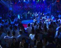 Nhảy đụng nhau ở quán bar, đâm chết người