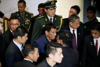 """Ông Duterte nghĩ mình """"ngang tầm lãnh đạo Nga – Trung""""?"""