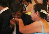 Xúc động nghẹn ngào lễ cưới tập thể của 60 cặp đôi khuyết tật