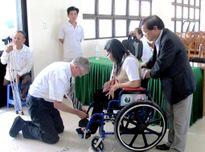Trao 173 xe lăn, 700 BHYT cho người khuyết tật, bệnh nhân nghèo