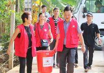 Gần 2.000 suất quà Hà Nội đến với đồng bào miền Trung