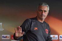 """Mourinho lại muốn thành """"Người đặc biệt"""""""