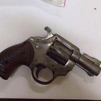 Cảnh sát cơ động bắt giữ đối tượng tàng trữ súng trái phép