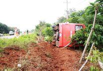 Tai nạn giao thông, xe khách lật ngang, 15 hành khách bị thương