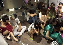 Bên trong động lắc tổ chức sinh nhật cho 'thiếu gia' Sài Gòn
