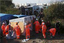 Pháp bắt đầu phá hủy trại tị nạn ở Calais