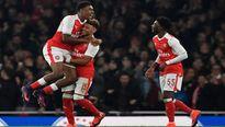 Chamberlain lập công, Arsenal vượt qua Reading