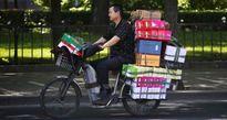 'Amazon, Alibaba không thể cạnh tranh với 1 triệu người Việt đang bán hàng trên Facebook'