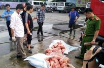 Hà Tĩnh: Bắt giữ 200kg thịt gà bốc mùi hôi thối
