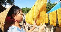 'Tận mục' làng ươm tơ bằng tay nổi tiếng nhất Việt Nam