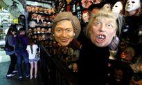 Mặt nạ Trump hút khách hơn Clinton dịp Halloween
