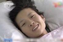 Mẹ ung thư quay video mừng sinh nhật con mới sinh