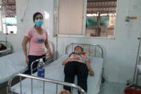 Hít phải khí lạ, hàng chục công nhân nhập viện điều trị