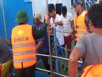 Quảng Bình: Phát hiện và cứu thành công 6 thuyền viên bị chìm tàu trên biển
