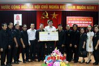 Hội người Việt tại Sakon Nakhon ủng hộ đồng bào lũ lụt Hà Tĩnh