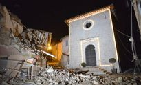Bí ẩn sau động đất kép kinh hoàng ở Italy: Chúa đã bảo vệ để không ai phải chết?