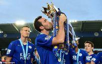 Sao Leicester muốn được hôn giày Eden Hazard