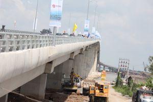 Cây cầu rút ngắn khoảng cách TPHCM - Tiền Giang chính thức thông xe