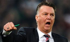 Van Gaal thích thị uy quyền lực, Arsenal có bom tấn