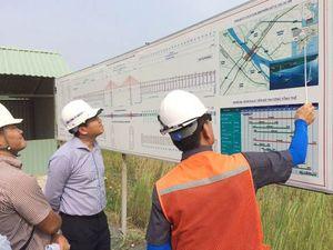 Thứ trưởng Lê Quang Hùng kiểm tra công tác thi công cầu Vàm Cống
