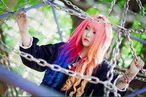 Choáng với màu tóc rực rỡ của hot girl 9X Sài thành