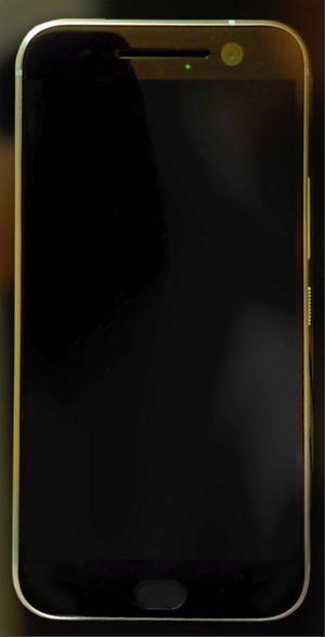 Ảnh thực tế HTC One M10/Perfume: bo tròn nhiều, không còn hai dải loa & logo HTC ở mặt trước