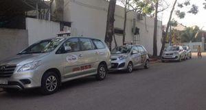 Tài xế taxi Phú Quốc đình công vì bị nợ lương?