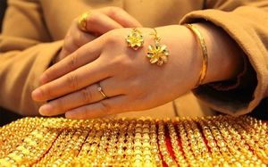 Tuần này, giá vàng thế giới tăng gần 5%