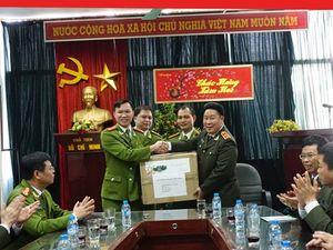 Lãnh đạo Bộ Công an thăm và chúc Tết các đơn vị của CATP Hà Nội