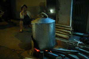 Thưởng thức thú nấu bánh chưng, bánh tét giữa Sài Gòn