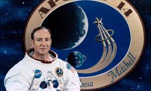 Người thứ 6 đi bộ lên mặt trăng qua đời ở tuổi 85