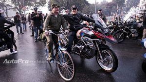 Dân chơi motor Hà Thành cùng dàn xế khủng tụ họp sáng mồng 1 Tết