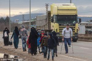 """Cuộc sống người dân trong """"thành phố chết"""" Aleppo"""